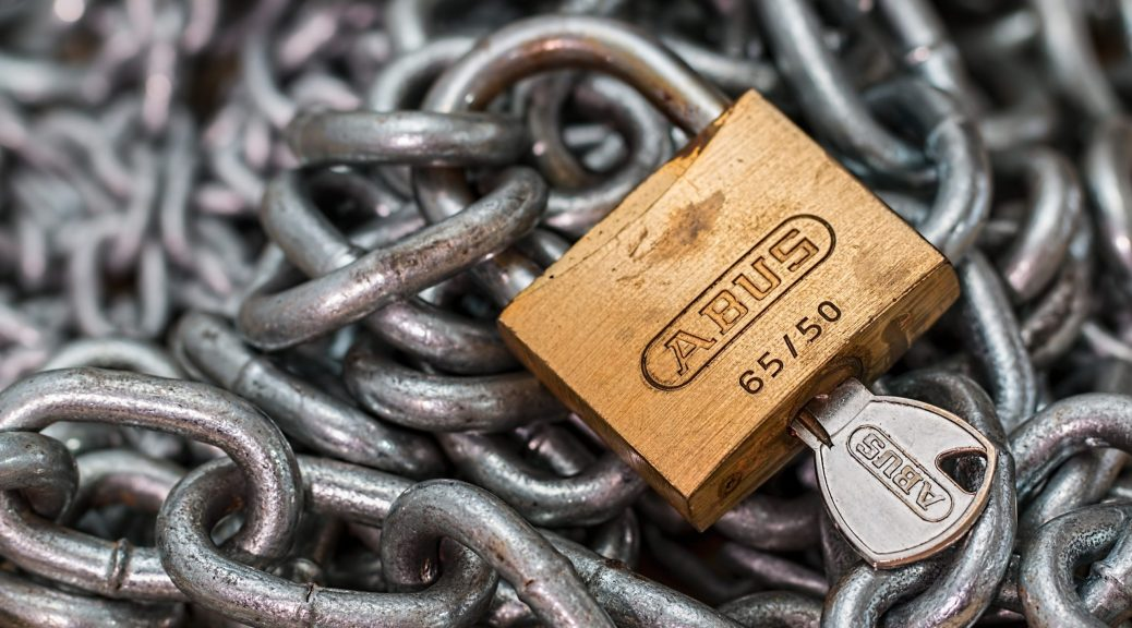 strong-lock-locked-padlock-39624 by topten5 is licensed under CC BY 2.0